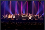 Einde show met alle artiesten vooraan
