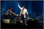 De trompettist Kris De Bie terug naar huis met de fiets